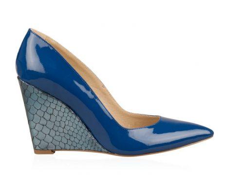 pantofi cu platforma pantofi cu varf ascutit pantofi bleumarin pantofi piele lacuita